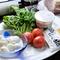 国産の新鮮野菜とイタリアの「生ハム」、「チーズ」