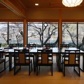 四季の風情を映す宇治川の眺めを愛でつつ、京料理を楽しむ