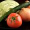 自ら選んだ、みずみずしくてフレッシュな旬の野菜を使用