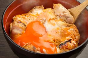 厳選食材と熟練の技が光る『究極の親子丼』