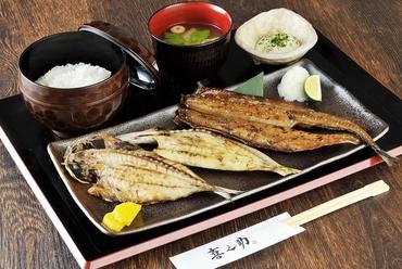 備長炭を使用し、料理人の絶妙な焼き加減がもたらす和食の悦び『炭火焼き 精一杯のもてなし 喜之助定食』