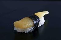 北海道を代表する味覚、サーモン/いくらを贅沢に。