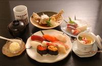 小樽の寿司と若鳥のコラボ