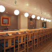 寿司屋の醍醐味はカウンター。 目の前で握った一番美味しい状態をいただく。 至福の時をお楽しみ下さい。