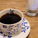 ランチもカフェ、ディナーも。1人でもゆっくりとくつろげます。