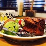 オーナーが惚れこんだ円山の人気店【カフェ ドゥ ザザ】の『ケーキセット』