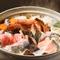 海鮮がたっぷりと入った贅沢な寄せ鍋コースが3種あります