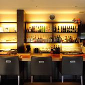 美味しい料理は、好みのお酒と一緒に満喫したいものです。料理とドリンクで上質な夜を満喫