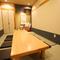 個室、座敷席もあり、リラックスして肉料理を堪能できる