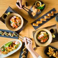 渋谷を満喫した後は、家族で美味しい寿司&和食料理はいかがでしょう。テーブルを囲み、みんなでシェアしながらの食事は楽しい時間に。スタッフは明るく気持ちの良い対応をしてくれるので、お子様連れでも安心です。
