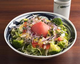【根津 鶏はな】の味を知ることができる、基本の美味しい一皿『東京軍鶏 焼鶏5本セット』