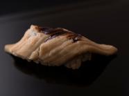とろける食感と香ばしさが一体となった逸品『穴子』 ※『おまかせコース』の一例です