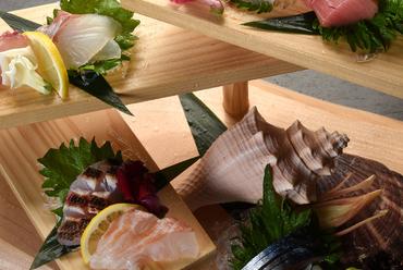天然鮮魚をふんだんに『お刺身階段盛り』