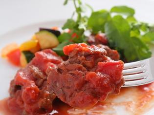 しっかりとした食べごたえの『牛フィレ肉のエミリア風』