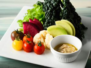 農家直送の野菜たっぷり『季節の無農薬野菜のバーニャカウダ』