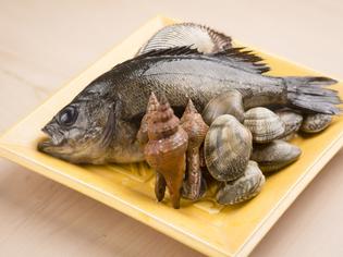瀬戸内海の幸、山の山菜、タケノコなど、地物にこだわった食材