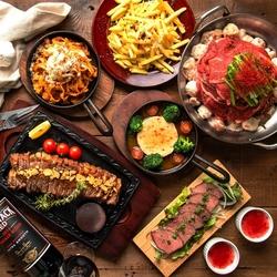 選べるメインは牛サーロインステーキor肉鍋をご用意☆さらに今年は大注目のトレンド鍋「発酵鍋」も登場!