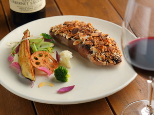 『東京世田谷産 有難豚のロースト 黒にんにくと木の実の香り』※仕入れにより料理内容に変更があります。