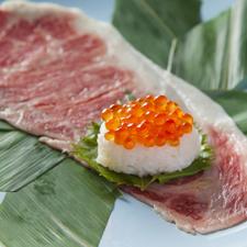 信州牛の肉寿司(雲丹のせ&いくらのせ)