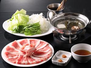 上質な肉の旨みを際立てる決め手の出汁『黒豚しゃぶ鍋』