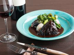 地野菜をはじめ生産者から届く野菜を中心に メイン料理は新鮮なお魚またはお肉料理が選べます。