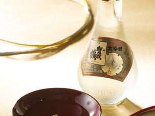 地酒から各地の銘柄まで取り揃えた「日本酒」