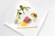 上品な味わいの『鮮魚のポワレ』(コース料理の一部)