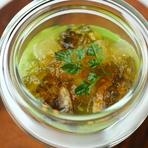 ただ茶えんどう豆のヴルーテ 鮑の酒蒸し 冬瓜の煮凝り 葉生姜添え