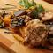 ボリューム満点!シェフおススメの肉料理盛り合わせ『プレミアムディナー』