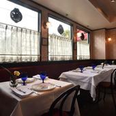 フランスに昔からある、落ち着いた雰囲気漂うレストラン