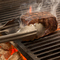 カットから焼き方までこだわる『薩摩福永牛モモ肉炭火焼』