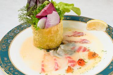 有機野菜と中央市場直送の『鮮魚のカルパッチョ』