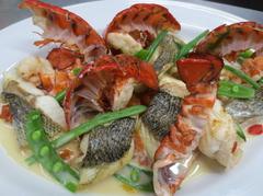 フォアグラやオマール海老・ブランド豚などの厳選食材が楽しめるワンランク上の宴会プランです