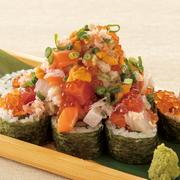 国産A4和牛のもも肉を使用しております。 スパイス醤油、わさび、レモン塩をお好みでお肉につけてお召し上がりください