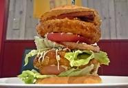 RED COW'Sコラボ 土佐あかうしのハンバーガー!