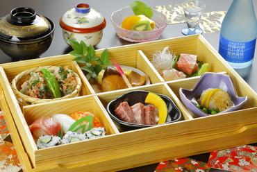 四季折々の旬の魚や国産の牛肉、旬野菜を使った贅沢な逸品『轍御膳』