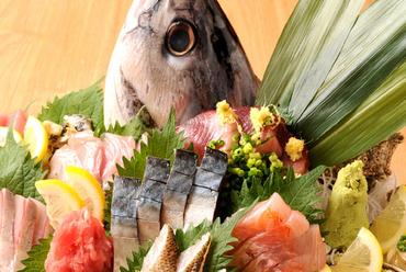 海の恩恵が感じられる料理と飲み放題付コースで開く、華やかな宴