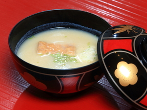 上品な白味噌仕立て。風味豊かな京の味の『白味噌のお吸い物』