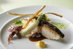 オードブルからお魚料理とお肉料理までお選びいただけるコースです。