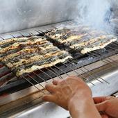 鰻に精通した料理人の絶妙な焼き加減が絶品