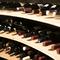 300種のイタリアワイン。各地域の個性あふれる銘柄をお届け