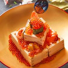 いくらたっぷり!『超豪華! 船上海鮮ぶっかけ飯』