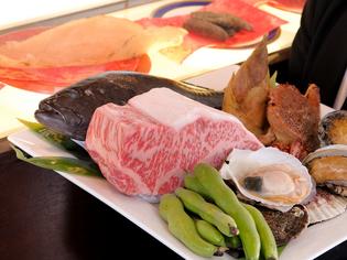鮮魚や野菜など旬の食材を、市場で目利きして厳選
