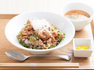 柔らかい国産の豚ロースの旨みとタレの甘みで、美味しさが増幅する一皿『十勝絶品秘伝のタレ豚丼』