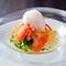 海の幸の贅沢さや美しさを堪能できる『ズワイガニとトマトのサラダ』