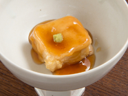 手間暇かけてつくった胡麻豆腐と葛あんの程よいとろみ『利休揚げ』