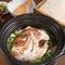 季節に合わせた食材の旨味をたっぷり含んだお米は、こだわりの佐渡島産『土鍋御飯』