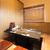 個室は用途に合わせて選べる3種類。2名から最大16名まで利用可