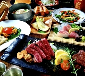 刺盛りやかきなど旬素材の他、広島牛ステーキや蜂ヤ名物のステーキも楽しめる内容充実のコースです。