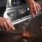 食材の旨味をシンプルに味わえる『サーロインステーキ』